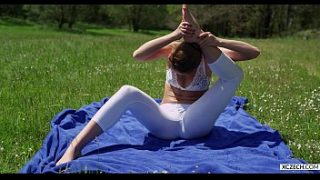 yoga with alexis crystal free xczech com 2016